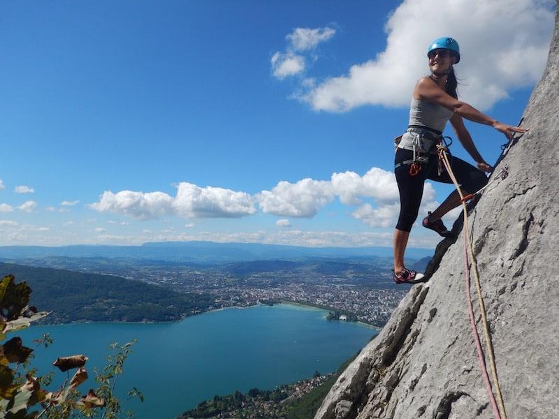Zig Zag – Grande voie d'escalade avec vue sur le lac d'Annecy