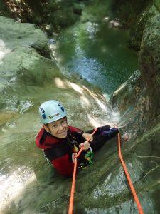 Quel âge faut-il avoir pour pratiquer le canyoning?