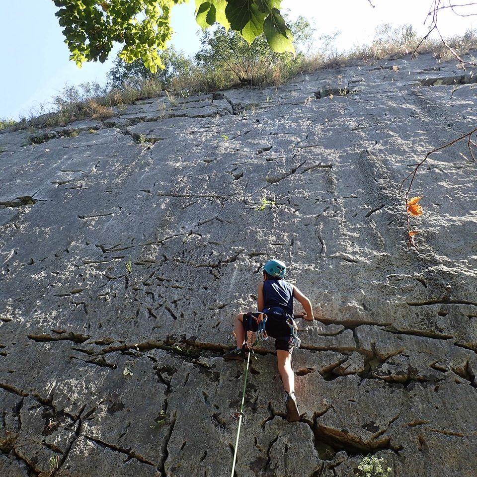 Escalade sur la falaise de Yenne en Savoie