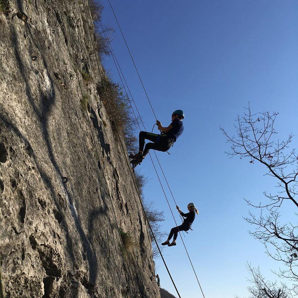 Au mois de février on grimpe en falaise