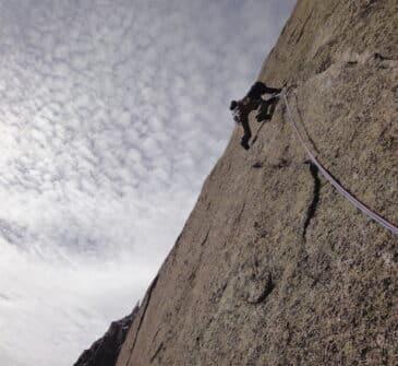 Escalade envers des Aiguilles de Chamonix