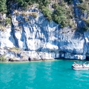 evg-annecy-pack-canyoning-apero-boat