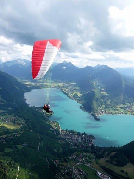 evjf-Annecy-pack-via-ferrata-tyroliennes-parapente