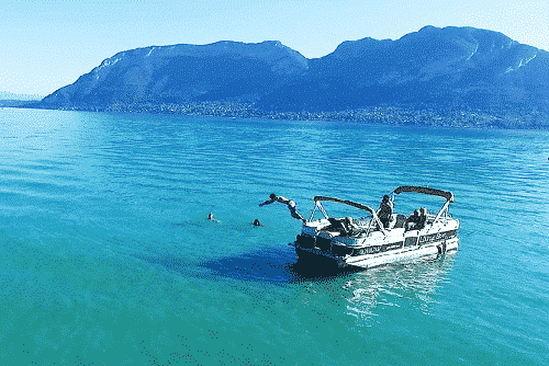 apero-boat-lake-annecy